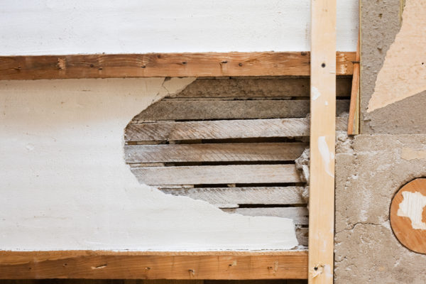 What are lath and plaster and why you should keep it?